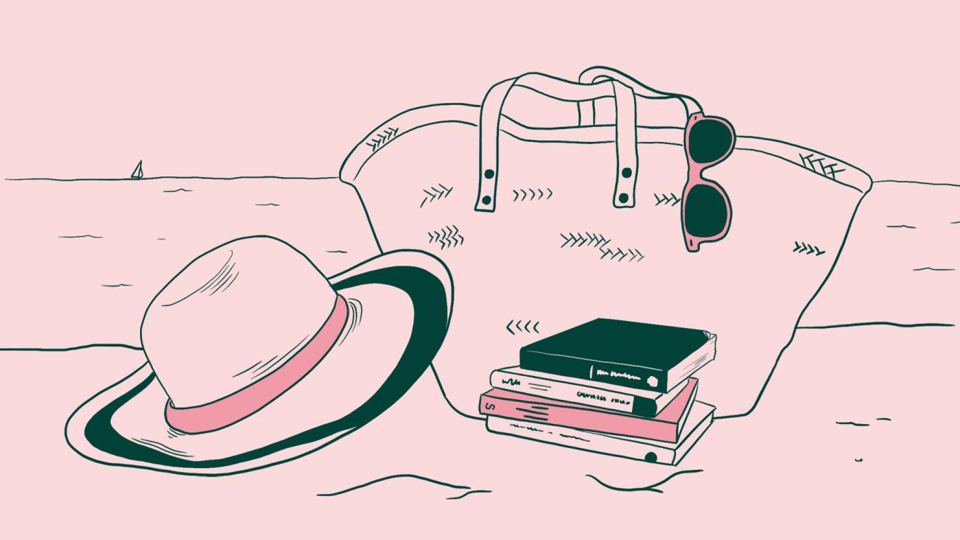 Sur une plage, la mer en fond, un chapeau est appuyé contre un sac de plage d'où pend une paire de lunettes. Au pied du sac, un tas de quatre livres posé sur le sable.